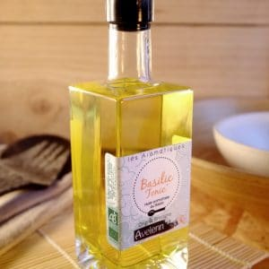 Huile alimentaire bio et locale origine Bretagne aromatisée à l'huile essentielle de Basilic.