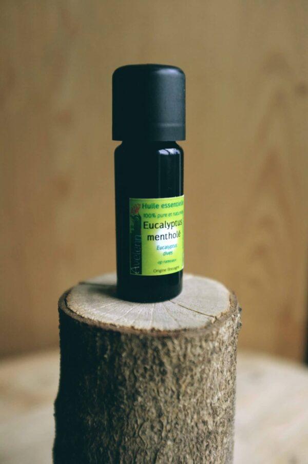 euc menth jyler scaled 600x904 - Huile essentielle BIO d'Eucalyptus mentholé 10ml